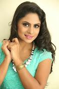 Deepika das glamorous photos-thumbnail-12