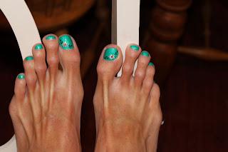girls ugly feet
