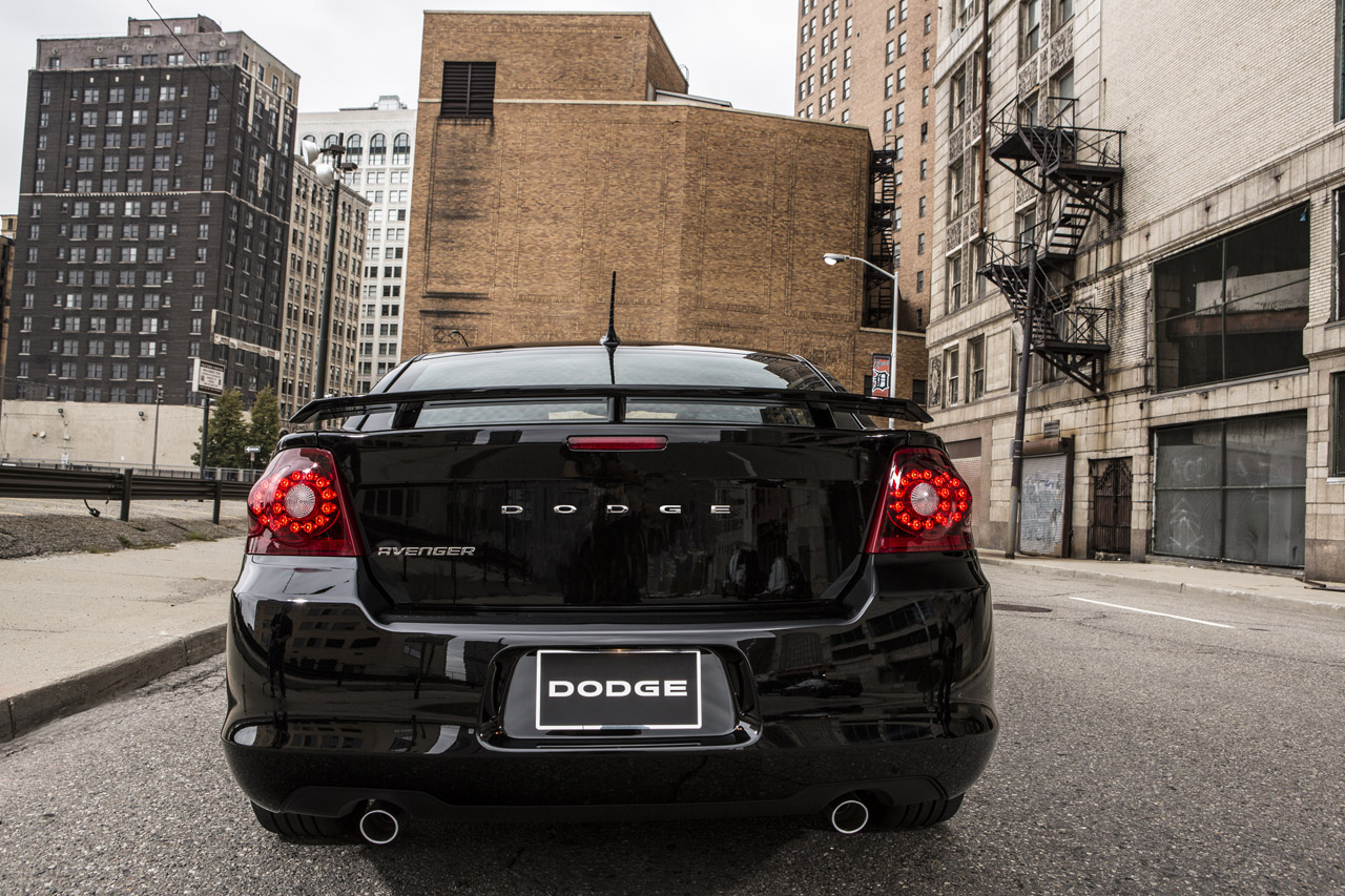 2013 Dodge Avenger Blacktop | SuperCAR original