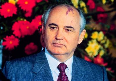 L'ex presidente sovietico Mikhail Gorbachev ospite a Tirana