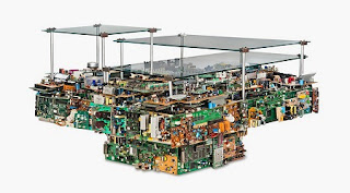 Muebles con Piezas Recicladas de Computadoras