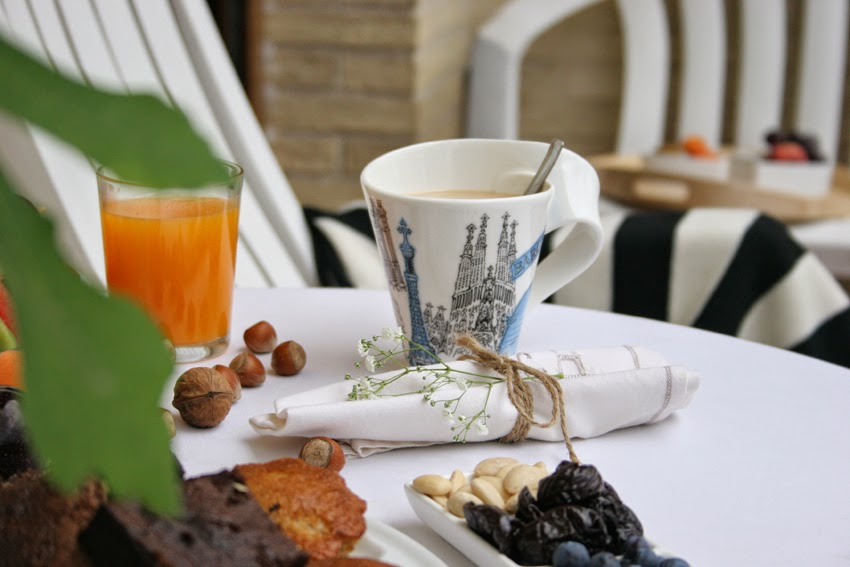 Desayuno al aire libre con la nueva laza New Wave Barcelona de Villeroy & Boch2