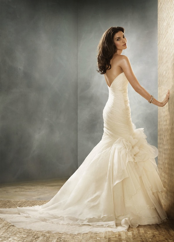 Ask cynthia wedding dresses jim hjelm for Silk organza wedding dress