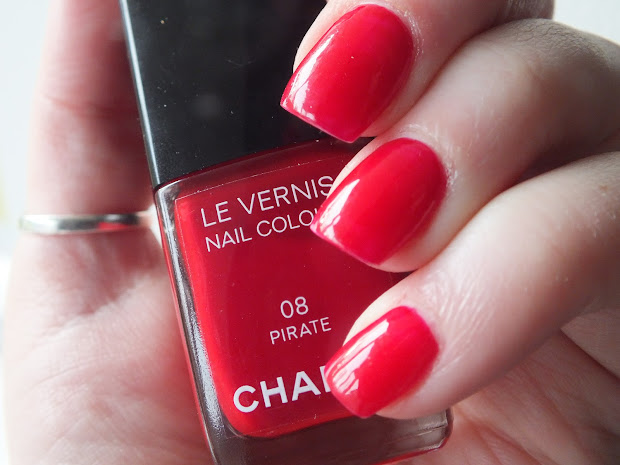 florence and mary chanel le vernis