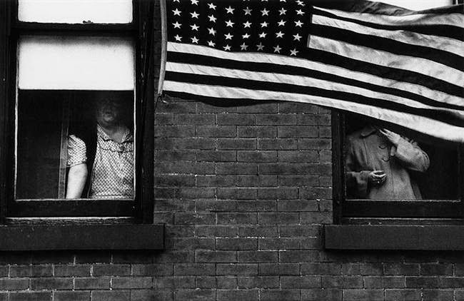 walker evans essay Walker Evans and Robert Frank – An Essay on Influence by Tod Papageorge (1981)