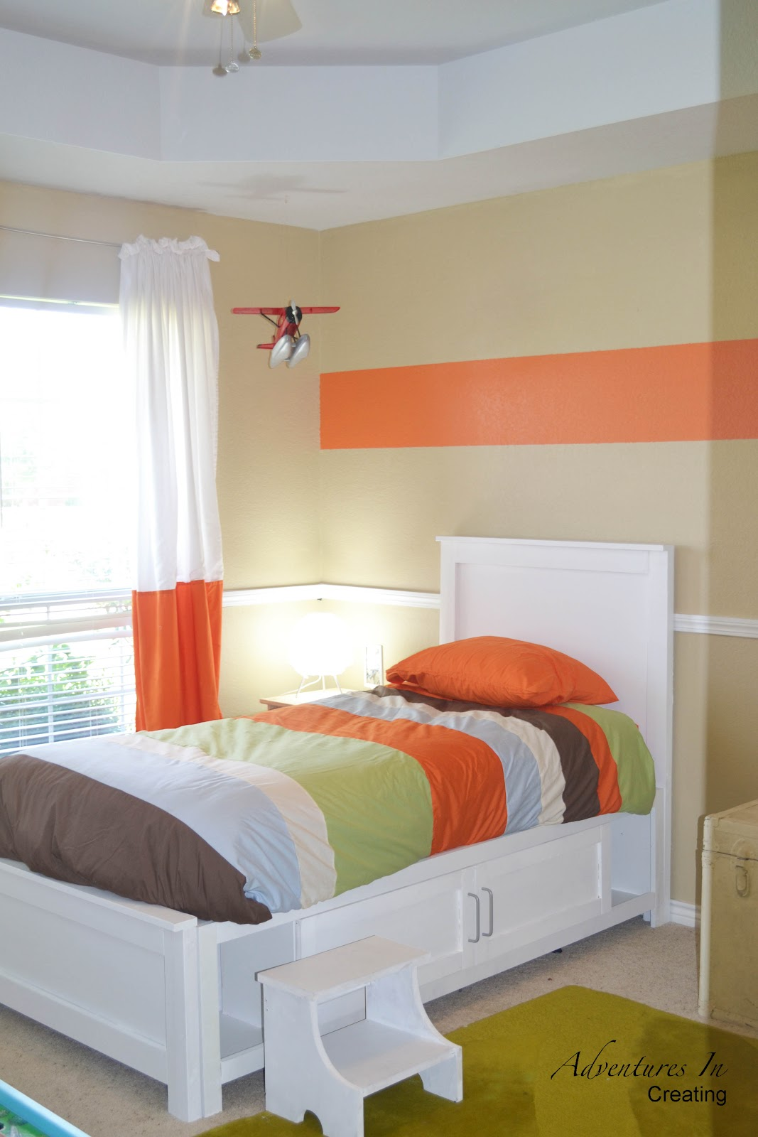 Boys bedroom with orange accents - Orange accents for bedroom ...