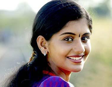 doravari satram movie heroine meera nandan stills9