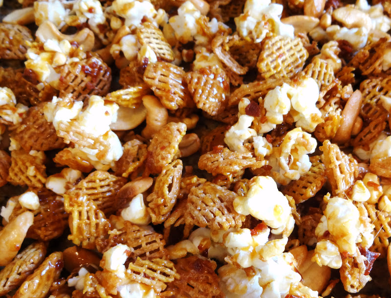 Shenandoah Gateway Farm: Bacon and Cashew Caramel Corn