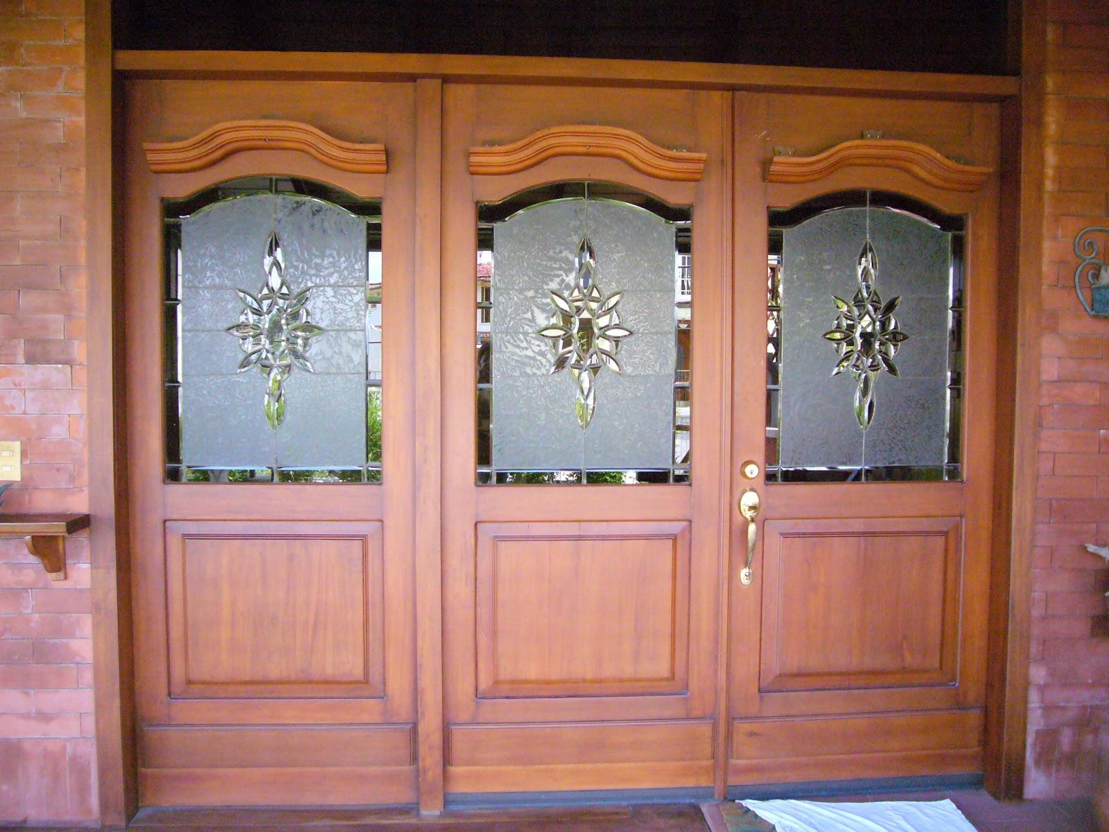 Consertec noviembre 2012 for Puertas principales de madera rusticas