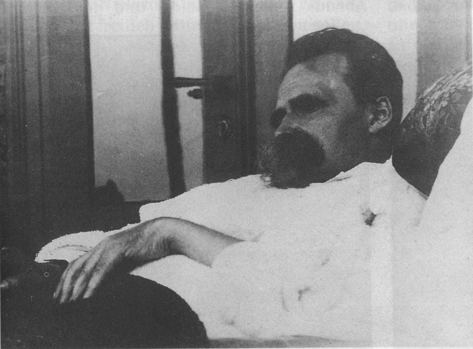 http://2.bp.blogspot.com/-_eqZQRX8fZU/TbG_x8c8gbI/AAAAAAAAAc8/t5xlhbbgaGY/s1600/Old+Nietzsche%252C+1899.JPG