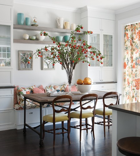 Скамейки в интерьере кухни фото
