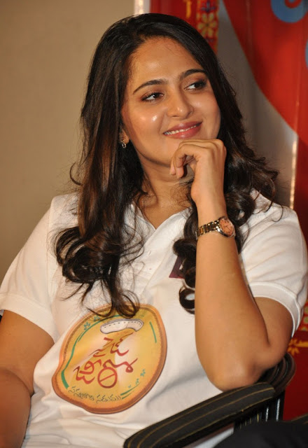 Tollywood Celebrities Anushka zero Size Photos
