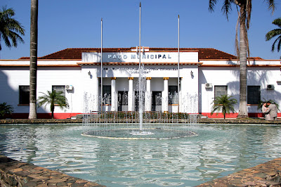 Paço Municipal de Birigui - Um Asno