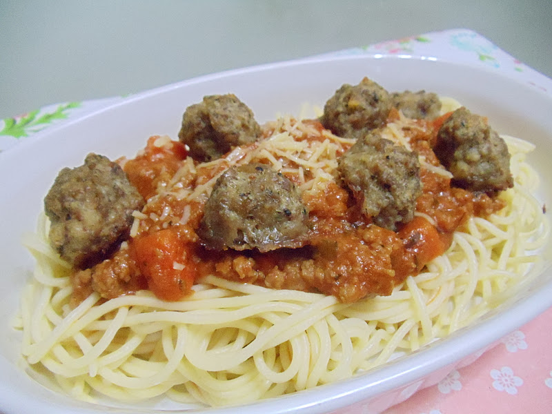 how to make spaghetti bolognese with meatballs