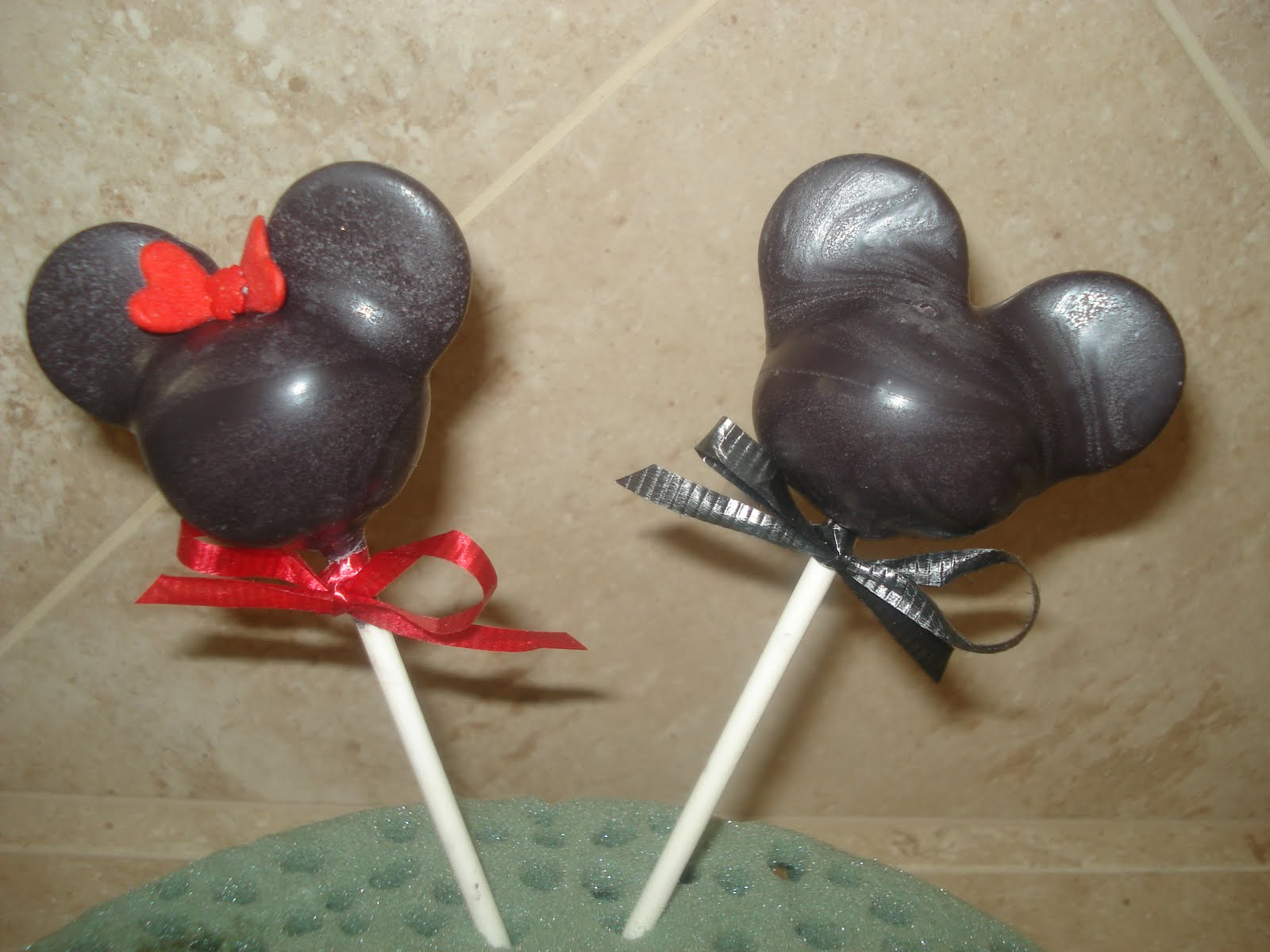 Mickey Mouse Cake Pops Tutorial JessiCakes Project: Mi...