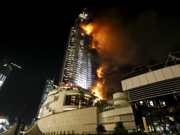 Incêndio em arranha-céu de Dubai