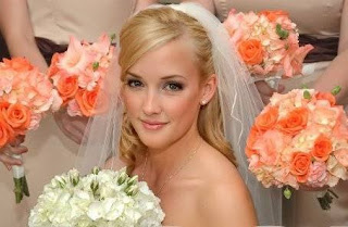 Bridal makeup tips for flawless wedding makeup application wedding by educating yourself on many of the bridal beauty makeup basics your wedding day look will be one that youll remember and solutioingenieria Gallery