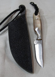 My neck knife from th eGlass City Knife Show