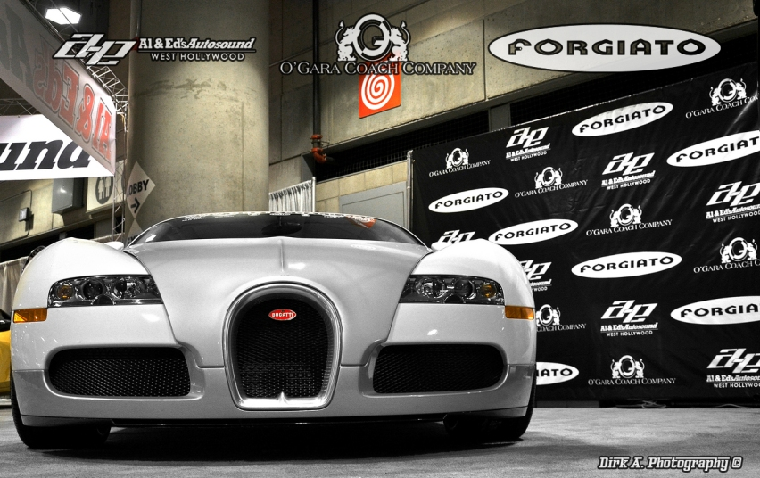 improved bugatti veyron with forgiato wheels in los angeles 2011 live photo cars mind. Black Bedroom Furniture Sets. Home Design Ideas