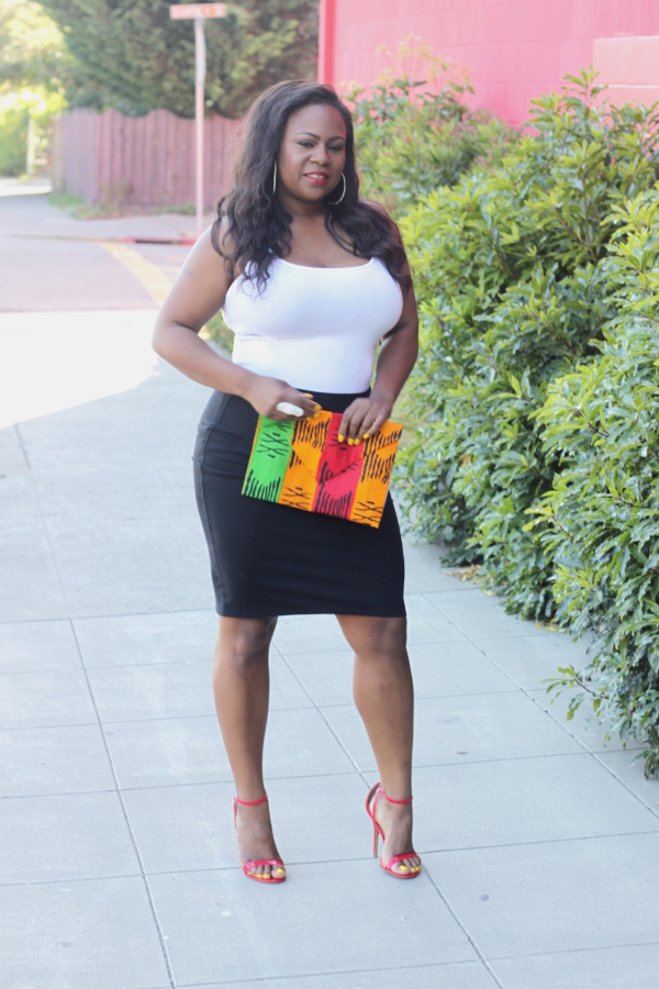Black Plus Size Fashion Bloggers, White Tank Top, Black Midi fitted skirt, Tribal Print DIY Clutch