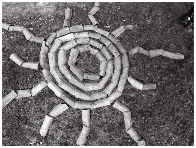 Imagen del Veranillo de San Miguel en Asturias. Fotografía e instalación de Pablo Basagoiti Brown