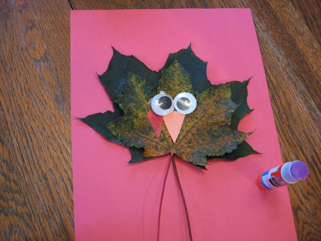 Maple Leaf Turkey Craft. Photo via Almost Unschoolers