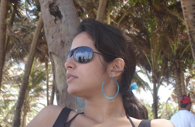 Essa bicha linda é minha esposa, na praia do Beach Park