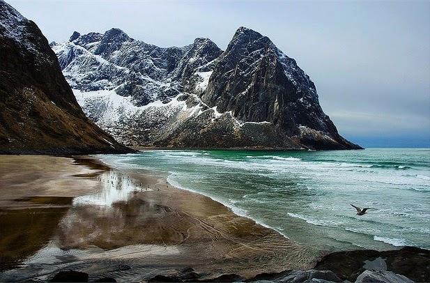 paisaje playa islas lofoten
