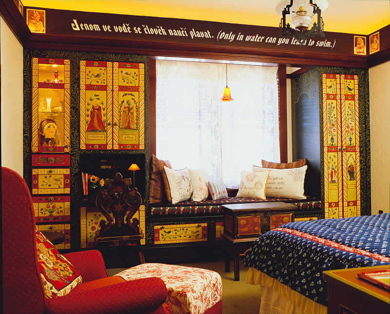Bohemian style bedroom ideas evalotte daily home for Bohemian style bedroom furniture