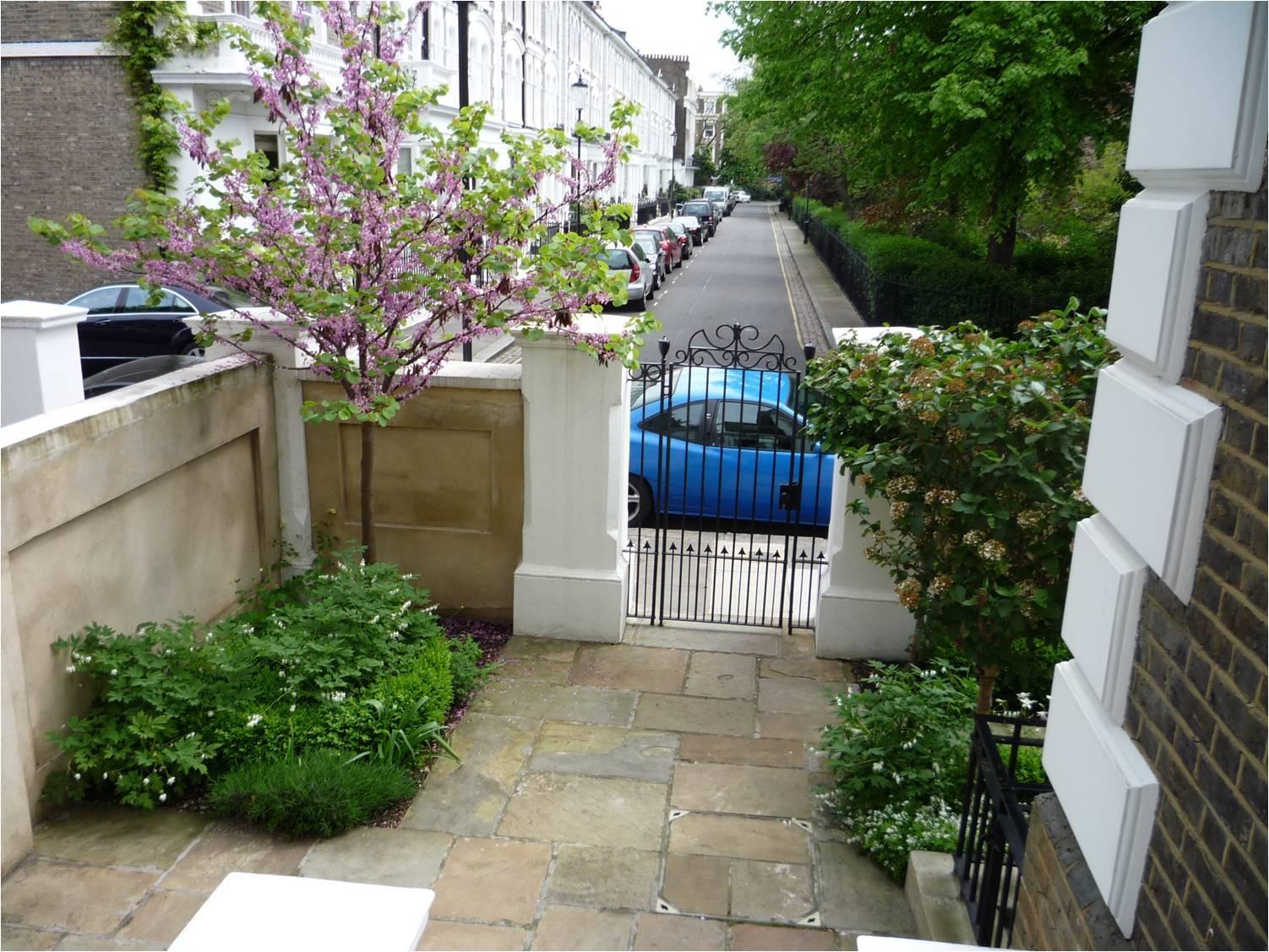 Arquitectura de casas jardines peque os en entradas a for Casas para jardin baratas