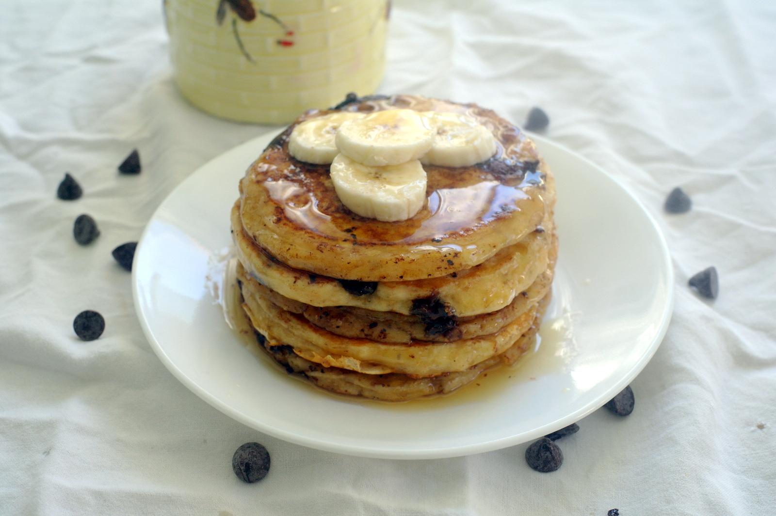 Around le globe: Banana chocolate chip pancakes