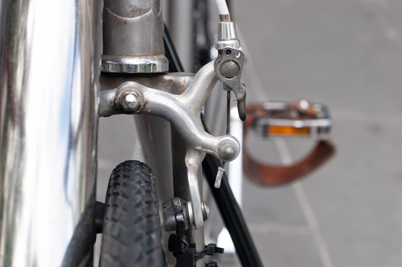 single speed, conversion, road bike, bicycle, Swanston street, Melbourne, Australia, the biketorialist, tim macauley, Macauley, detail, leather, frame, biketorialist, bespoke, custom, customisation, style, bike, bicycle, front brake