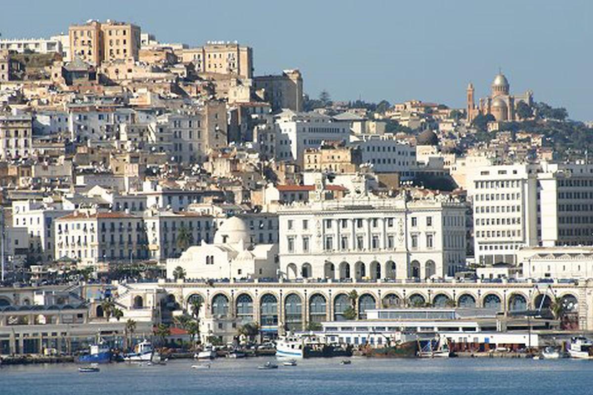 Algerie europe coop ration 2014 alger r habilitation du for Piscine du 5 juillet alger