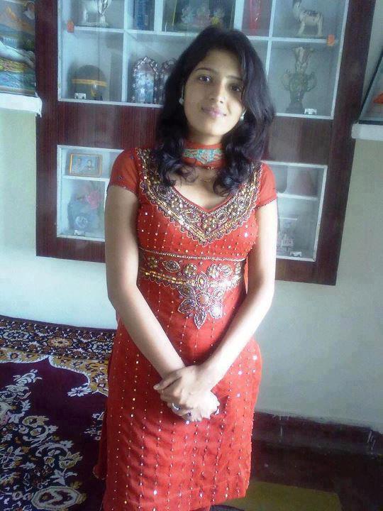 Bollywood69.com: Desi Indian girl in tight salwar kameez ...