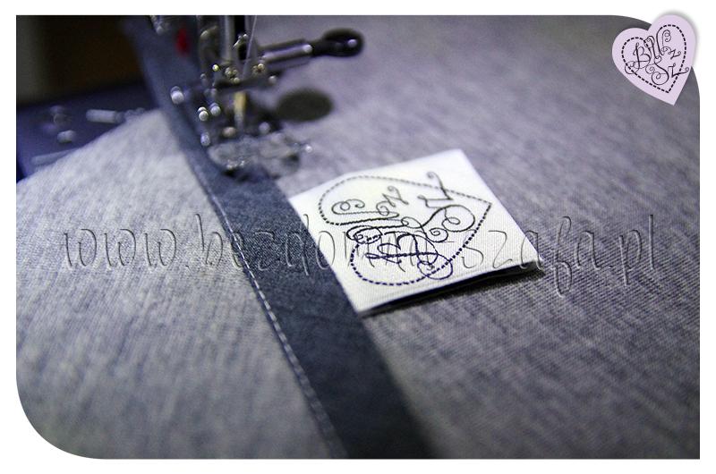 płaszcz z pianki kieszeń łączenie lamówka metka