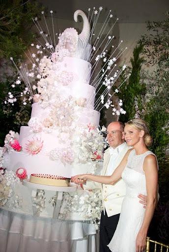 Сватбената торта на принц Албер и принцеса ШарлиЙн от Монако