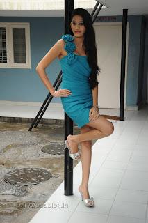 Shweta Jadhav Pictures at Namaste opening 008.jpg