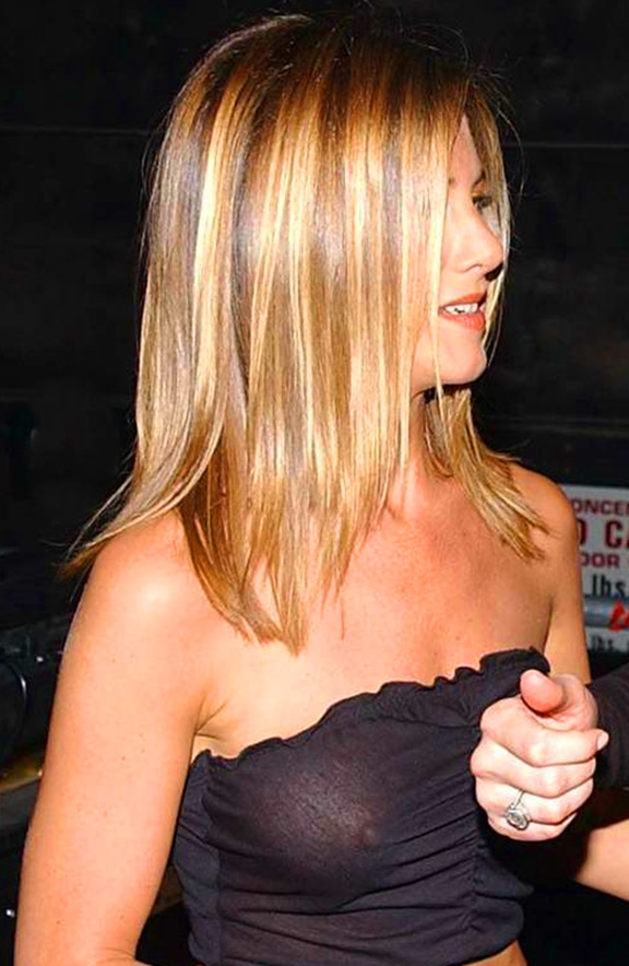 jennifer aniston nipple