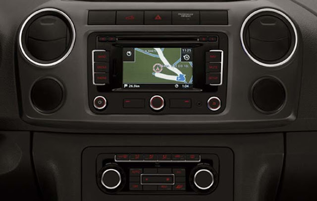 VW Amarok 2012 - interior - console