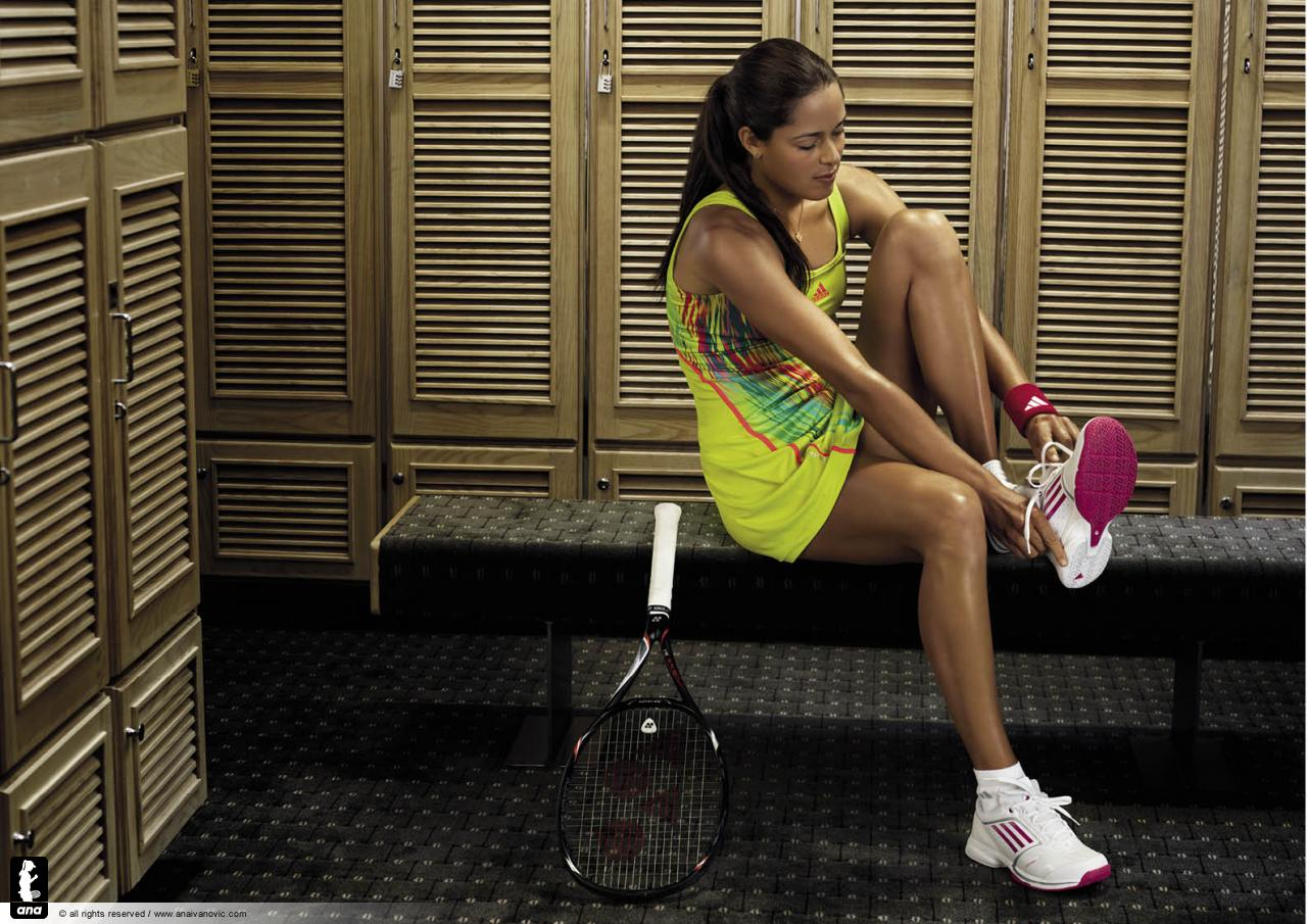 http://2.bp.blogspot.com/-_hAbPUIsGcE/T84SvjI-_JI/AAAAAAAAE1w/_oAdy2Py3WI/s1600/H09112_TE_Tennis_Athlete_Imagery_FW12_Ana_Ivanovic_Locker_Room_Thumbicon(1).jpg