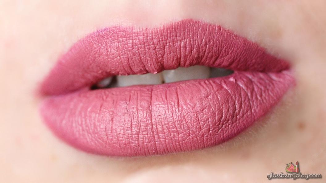 ofra nude mix malibu bel air long lasting liquid lipstick lipcolor lipswatch swatch review סקירה המלצה שפתון עפרה עמיד נוזלי מאט ניוד בז'  מעורבב גלוסברי בלוג איפור וטיפוח glossberry beauty blog