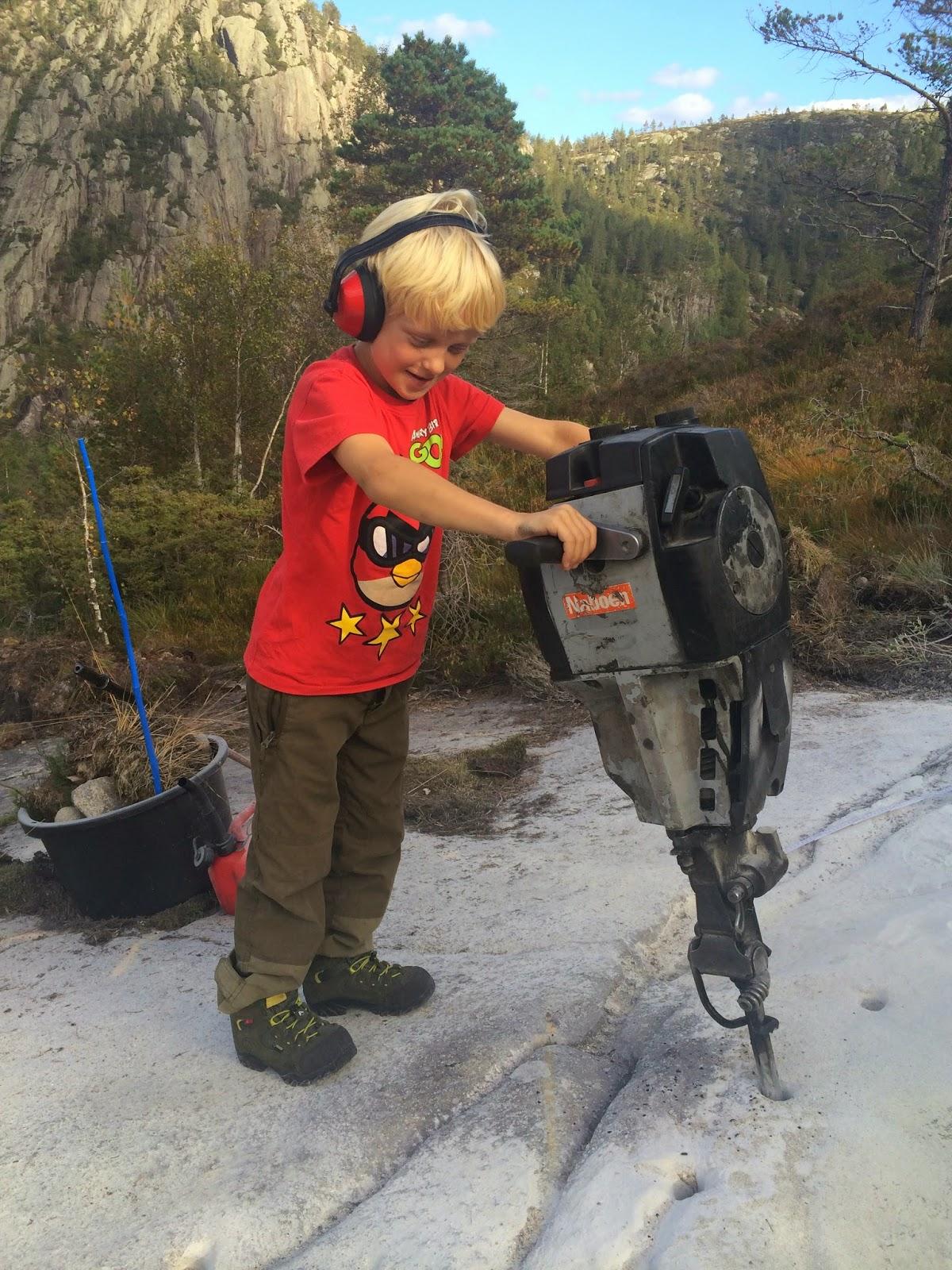 Bore i fjell med borhammer