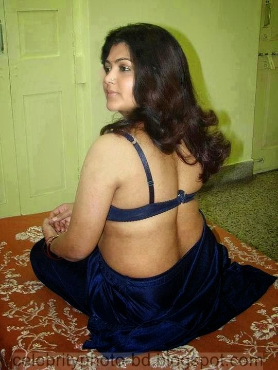 AUNTY PIC CLEAVAGE NUDE INDIAN HOT