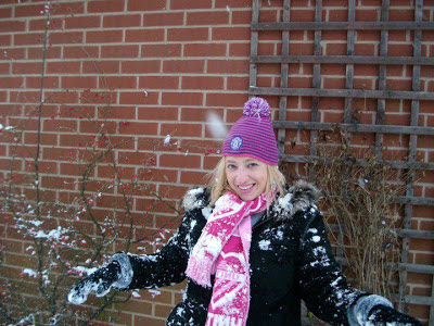 Snow, rain or sun - Amanda loves Manchester United!