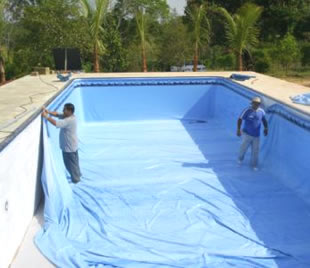 Construindo minha casa clean piscina de concreto vinil for Construir piscina concreto