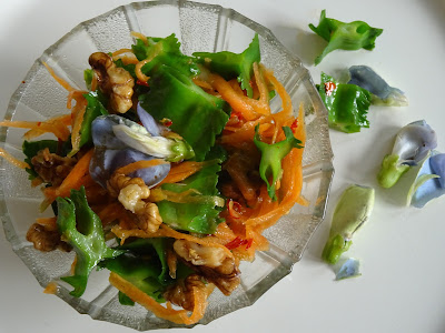 Winged bean & carrot salad