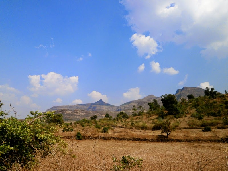A parting shot of Kalsubai, Sakira and Kirda peaks