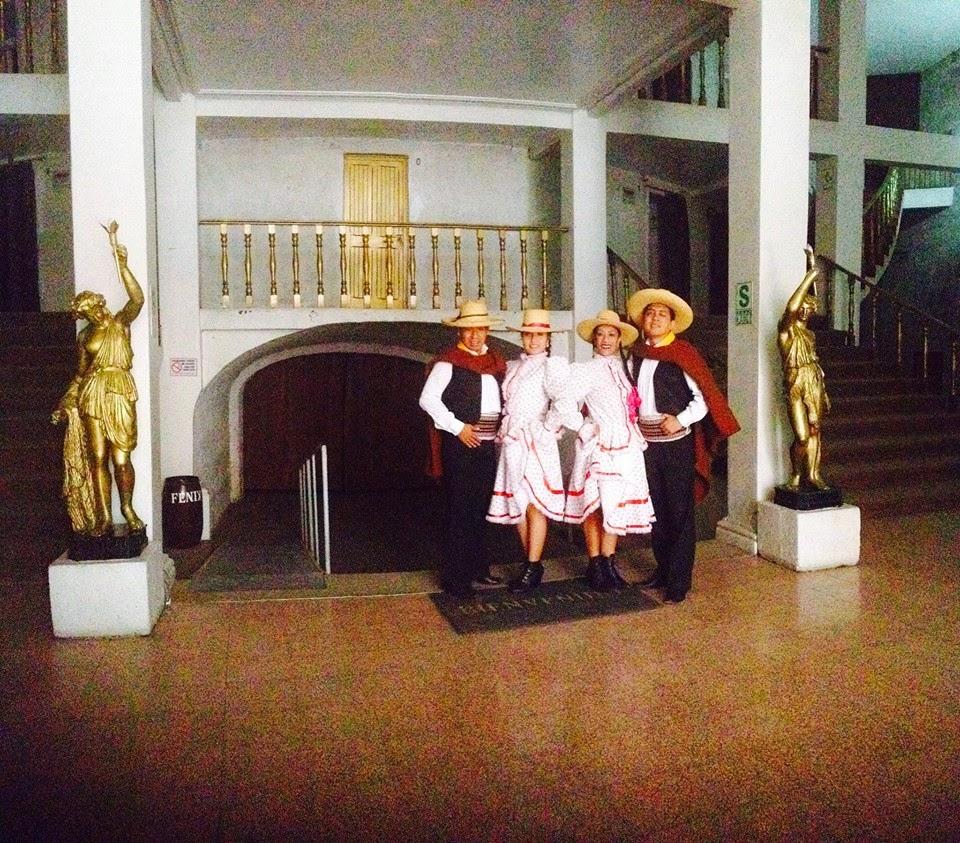 Festival de danzas en el Teatro Fénix Arequipa