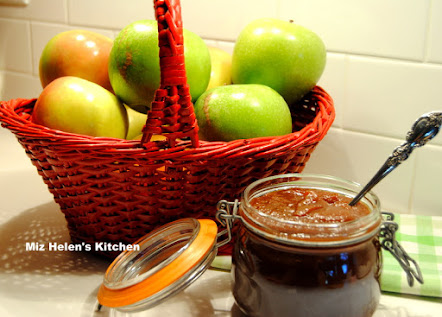 Slow Cooker Spicy Apple Butter