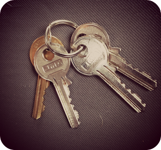house keys, moving house